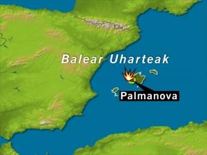 Bi guardia zibil hil dituzte Mallorcan, bonba-lapa batekin