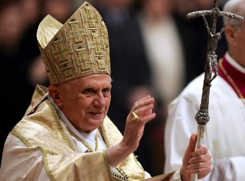 USTED ESTÁ ACREDITADO.Fin de semana papal.