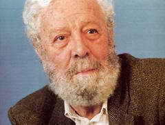 ESKELAK.Fallece a los 89 años el director de cine valenciano,Luis García Berlanga.