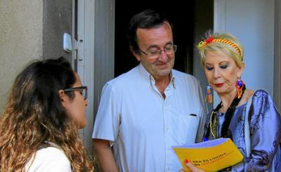 """BARREBUSA.Comienza la Gigaencuesta de la ANC y Omnium preguntando por la independencia de Catalunya,con encuestadoras como Karmele Marchante///Tenemos otra respuesta:""""Sálvame de esta gentuza a mi,Sálvame somos naufragos..."""""""