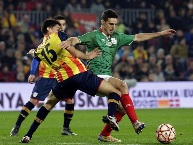 ORAIN KIROLAK.Aduriz es la losa del catalanismo futbolístico